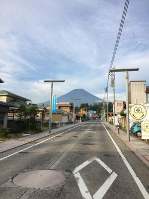 二十三日早朝の富士山