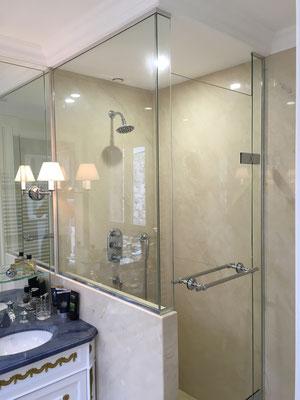 Pare douche en verre feuilleté (STADIP) 44.2 et porte en verre trempé (SECURIT)
