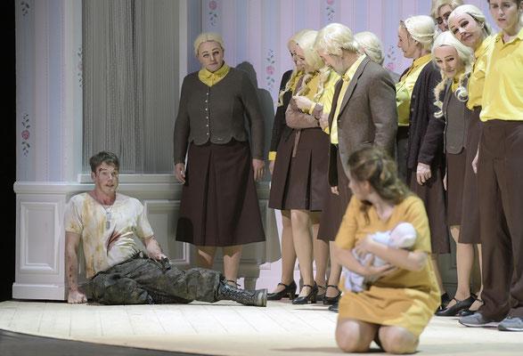 Valentin am Staatstheater Braunschweig ( (c) Bettina Stoess)