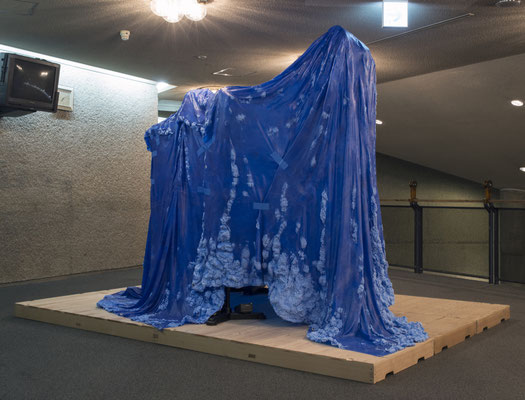 Untitled • Blue sheet |variable size|2015|puff binder,dyestuff,stage equipment,others