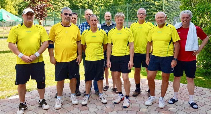 Herren 40 : Ralf Schaaf, Wolfgang Dörflinger, Nicky Schuhmacher, Jens Beller, Harald Förderer, Sven Runte, Michael Weber, Gerald Frank, Kristoph Ulock, Sigi Jakober
