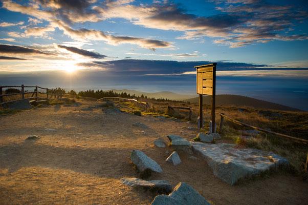 Brocken: Brockenrundgang bei Sonnenaufgang
