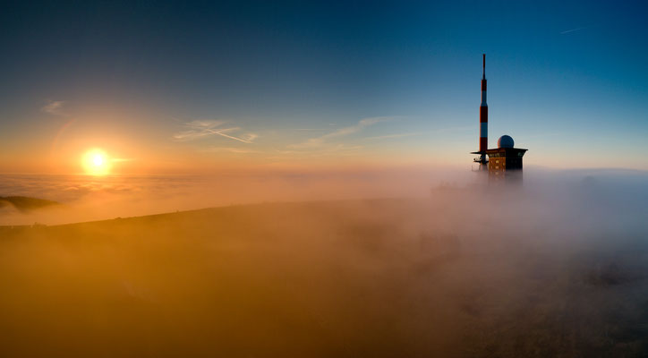 Brocken: Brockenplateau im Nebel_1