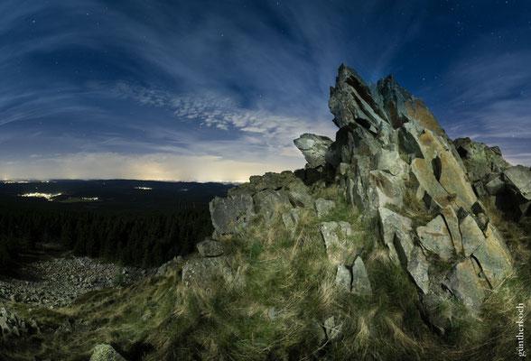 Mond und Sterne über dem Harz: auf der Wolfswarte
