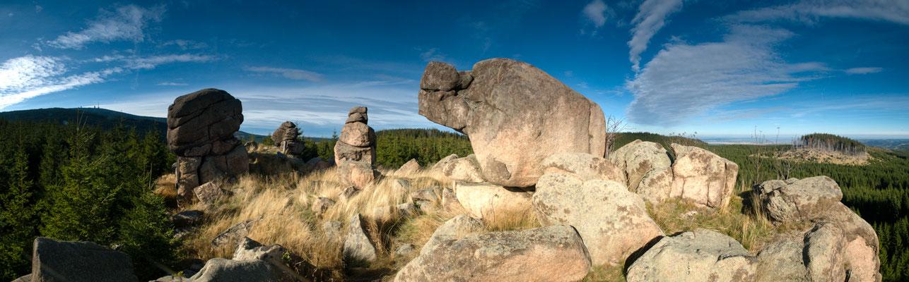 Berge, Felsen und Täler: Felsgruppe auf der Hohen Wand nahe Molkenhausstern