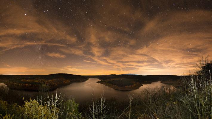 Mond und Sterne über dem Harz: auf dem Roten Stein (Rappbodetalsperre)