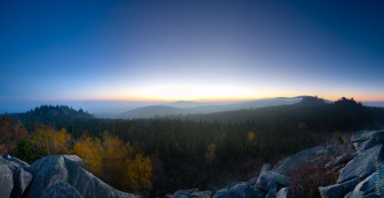 Berge, Felsen und Täler: Hohnekamm von der Leistenklippe