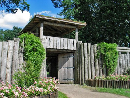 Die Hünenburg, eine frühgeschichtliche Ringwallanlage Foto: © H.P. Brinkmann