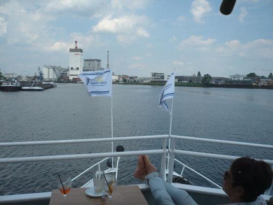 An Bord in Richtung Bremen