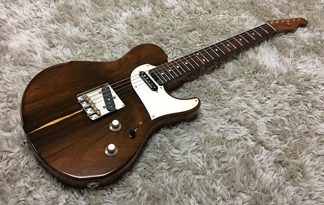 「素材が生きるギター」をコンセプトに設計されたセミオーダーモデルTetra