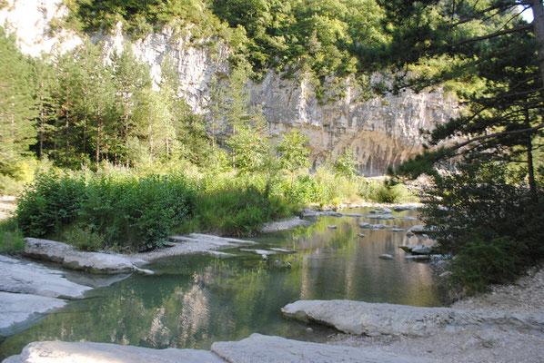 Pont de Barret, bassins naturels du Roubion