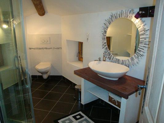 Suite Coquelicot, salle de bains du 1 er étage