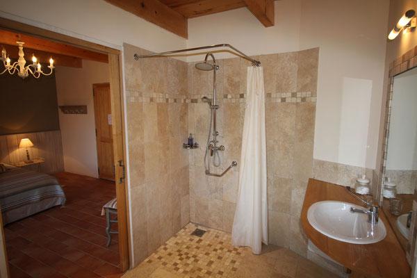 Chambre Lavande, salle de bains