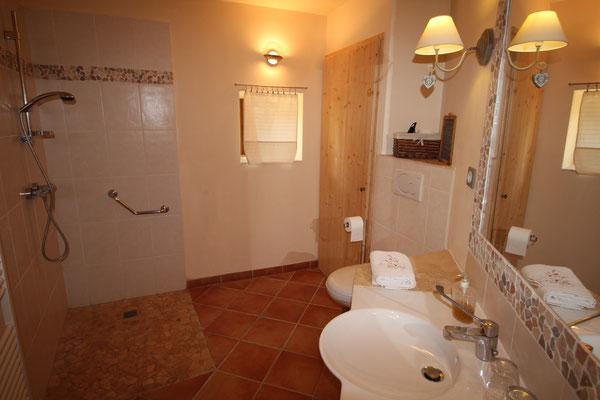 Suite Coquelicot, Rdc, salle de bains
