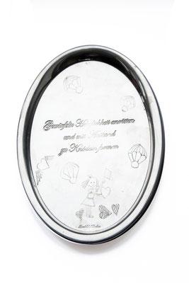 ANGELA SCHILLING  I  Silbertablett graviert  I Gewürfelte Herzlichkeit anrösten und mit Anstand  I  26,5 x 22 cm