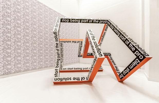 LUCIA DELLEFANT  I  start stop  I  Aluminium, Folie, Lack  I  195 x 230 x 195 cm