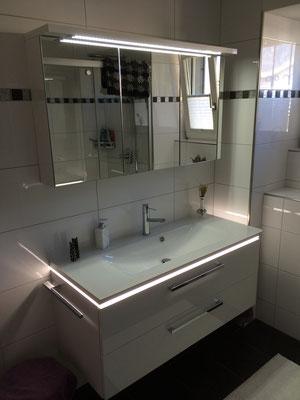 Badmöbel in div. Ausführungen-Doppelspiegel-LED-Glaswaschtisch etc.
