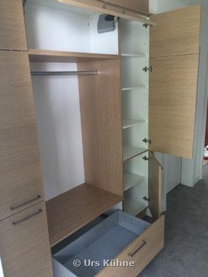 Garderobe 2 Vollauszug mit Einzugs-Dämpfung Oberschrank-Klappe plus Drehtüren gedämpft