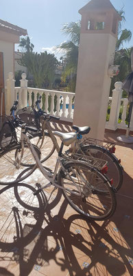 2 Fahrräder stehen zur Verfügung