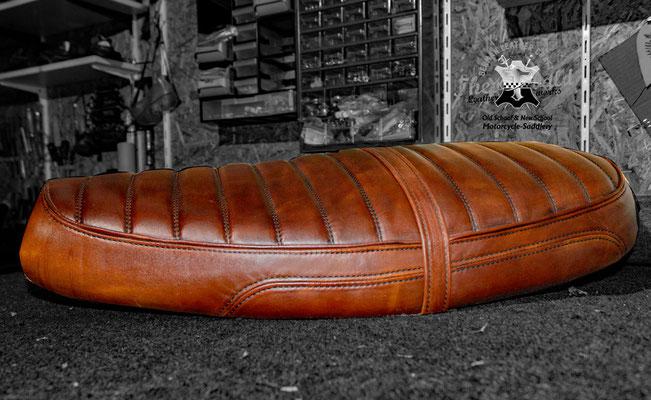 Triumph Bonneville Leder Sitzbank Custom Stitching