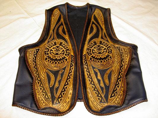Punzierte Lederweste Polynesia Design/Rochenleder Intarsien, Rind-Nappa verkauft