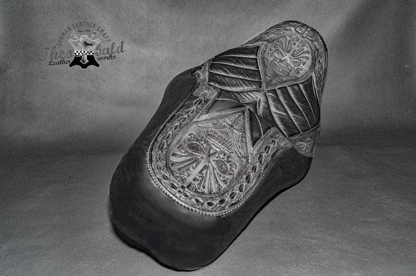 Dyna Sitz mit Maori Tattoo Design von Harald P. aus Freiburg/Germany
