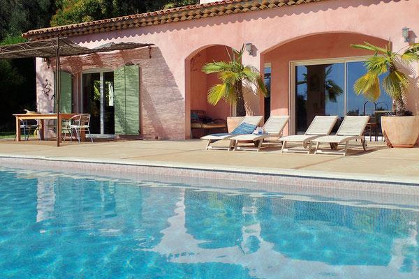 contactez villa strelizia vence cote azur location de maison et villa vacances sud france. Black Bedroom Furniture Sets. Home Design Ideas