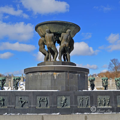 Norwegen, Hauptstadt Oslo, Skulpturenpark und Museum mit Werken von Gustav Vigeland sowie temporären Kunstausstellungen.