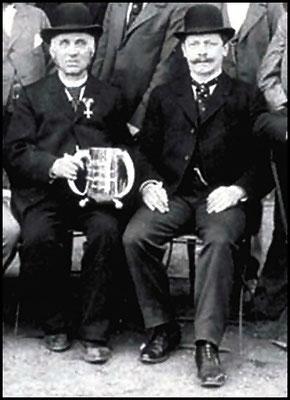 Heinrich Gläser (links) und Emil Heuer, die Geschäftspartner. Um 1900.