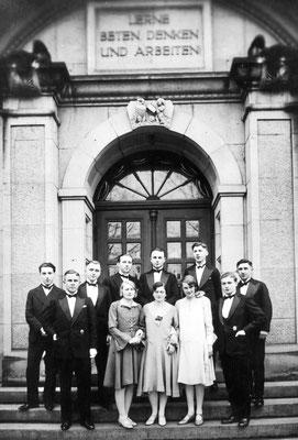 Der Matura-Jahrgang 1930. Georg 2. v.l.