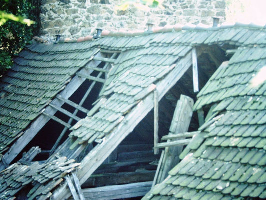 Vorburg-Dach um 1990, Aufn. Museum Schloss Klippenstein.