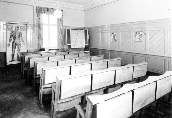 """Charlotte Meentzen """"Schule für natürliche Kosmetik"""", Unterrichtsraum"""