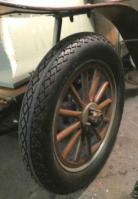 Opel Darracq 1903, Vorderrad, Holzspeichen. Privatbesitz. Foto: Schönfuß