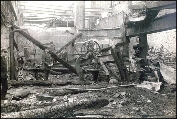 Der Radeberger Maschinensaal nach dem Brand am 22./23. September 1920. Quelle: KWD-Festschrift