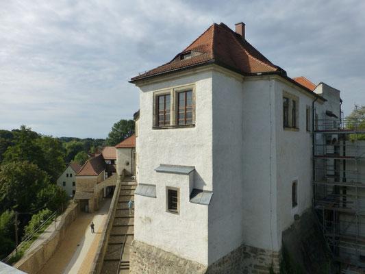 Der Nordost-Flügel nach der Sanierung 2018 mit der fertiggestellten Reitertreppe und dem neuen Unteren Schlosshof