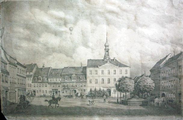 Karl Stanka: Marktplatz - Rathaus - Zisterne Radeberg. Bleistiftzeichnung. Museum Schloss Klippenstein Radeberg