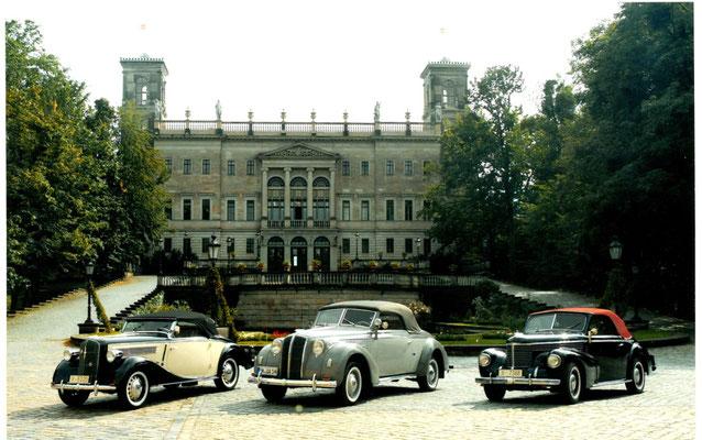 """""""Gläser-Trio"""" vor Schloss Albrechtsberg Dresden. Von links: Opel S 6; Opel Admiral (?); Opel Kapitän. Foto: S. Rüdiger"""