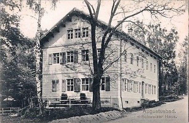 Augustusbad, Schweizerhaus an der Straße nach Seifersdorf (Schöne Höhe), vom Bad-Gelände aus gesehen; spätere Entbindungsklinik 2