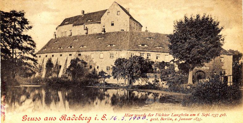 Ansicht aus Richtung Schlossstraße. Postkarte von 1900. Der Teich hat noch seine ursprüngliche Größe bis an die Mauern der Vorburg.
