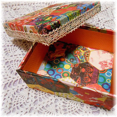 Cartonnage box with Spanish paper_02