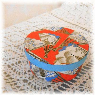 和紙の丸箱カルトナージュ/#151-152_03 ©Atelier Z=Grace