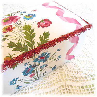 アンティーク布の大きな布箱/フランス