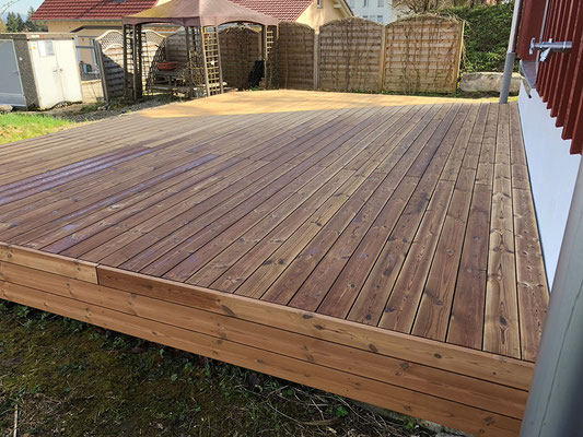 Holzdeck Holzbau von Ihrem Spezialisten im Oberaargau - Holzbau Peter Beck AG Niederönz