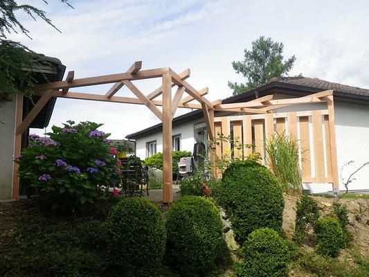 Pergola Holzbau von Ihrem Spezialisten im Oberaargau - Holzbau Peter Beck AG Niederönz