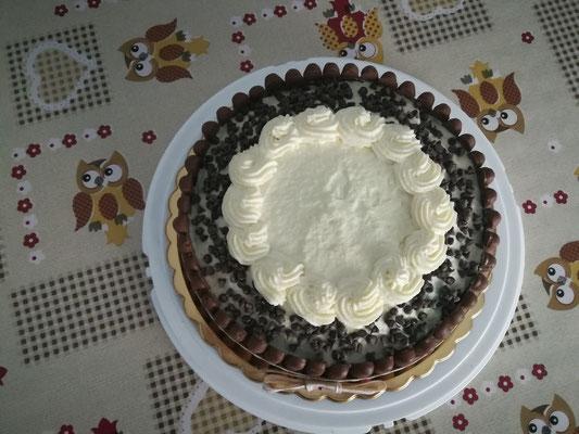 Torta scacchiera con ganache al cioccolato bianco