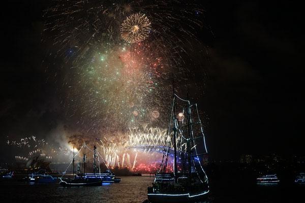 NYE Feuerwerk an der Harbour Bridge