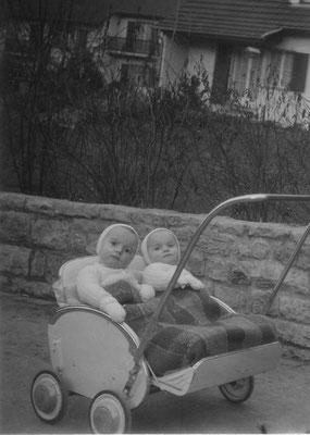 1-jährig  - Andi links, Elsbeth rechts (Schwester)