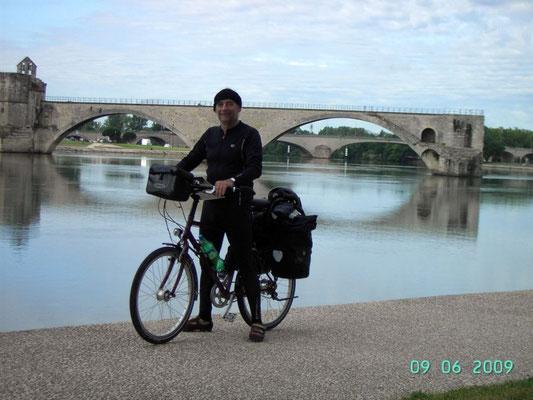 AVIGNON - vor der Brücke von Avignon