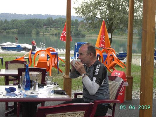 PONT bei SESSLEY - Beim Mittags-Kaffee