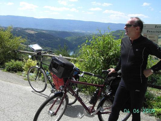 An der Grenze zu La France - hinten Rhone